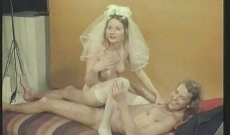 BDSMについての情熱的な成熟した犯さ愛人の売春婦ではげ男 エロ 動画 無料 女子 高生