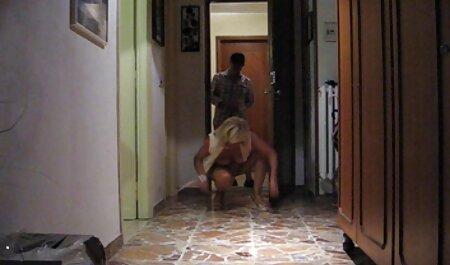 セクシーなBlondieは興奮し、彼女の性交する男を雇った アダルト 動画 女子