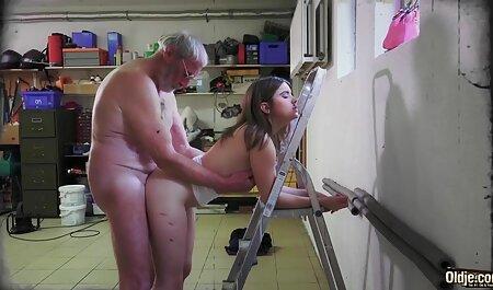 脂肪の売春婦とはげと大きなコックを搾乳と欲望の完全な 可愛い 女子 高生 の エロ 動画